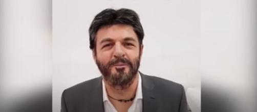 Roberto Fico imitato dal deputato Baldelli (Ph. Instagram)