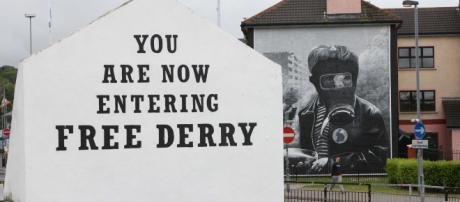 Scritta emblematica nella città di Derry (Irlanda del Nord).