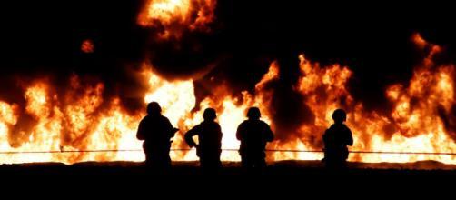 Más de 70 muertos y decenas de heridos tras explotar una toma clandestina de combustible en México. - rtve.es