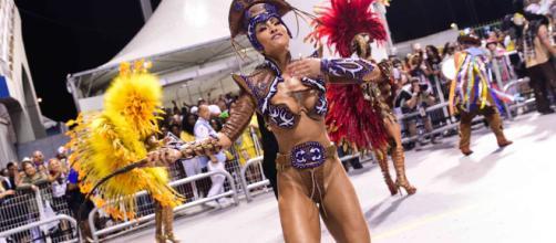 Sabrina Sato desfila na Gaviões sem costeiro de penas. – Tips Star ... - com.br