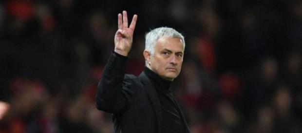 Mourinho, stadio Old Trafford, ricorda il Triplete ai tifosi juventini