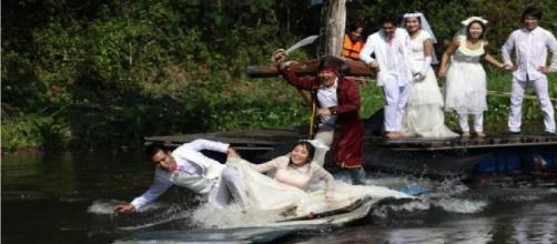 Casamentos extravagantes, que fugiram do tradicional. (Foto/Reprodução via The Magazine Lite).