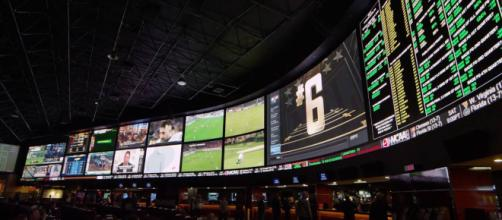 Sportsbooks are bracing for another huge crowd on Super Bowl Sunday. [Image via rAVe Productions/YouTube]