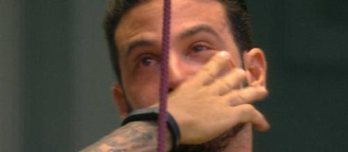 Gustavo chora no BBB19 (Foto - Reprodução/Globo)
