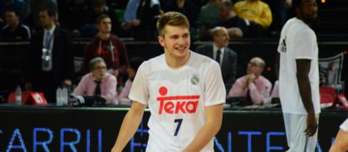 Luka Doncic is the overwhelming favorite to win Rookie of the Year. [Image Source: Flickr | Javier Mendia Garcia]