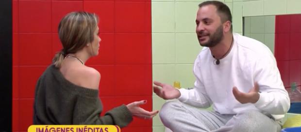 Antonio y Candela tienen una discusión en la lavandería