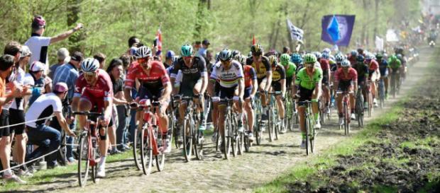 Paris-Roubaix : 5 équipes françaises invitées