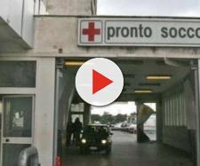 Gallarate, 30enne si uccide in ospedale: i suoi parenti devastano la struttura | repubblica.it
