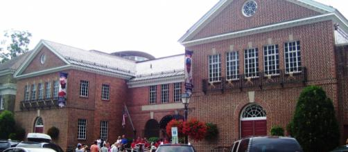 An exterior image of the National Baseball Hall-of-Fame which is in Cooperstown, New York. [image source: Beyond My Ken- Wikimedia Commons]