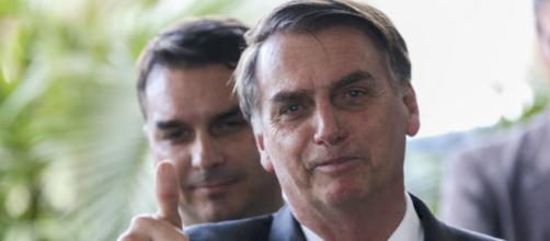 Bolsonaro comentou a repercussão das notícias que envolvem seu filho Flávio Bolsonaro (Wilson Dias/Agência Brasil)