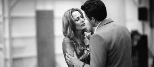 Gillian Anderson & Julian Ovenden in rehearsals for All About Eve. Photography by Jan Versweyveld -@allabouteveplay
