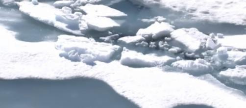 Oldest sea ice in the arctic starts to melt. [Image source/Sky News YouTube video]