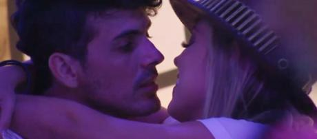 Maycon e Isabella se beijam (Foto - TV Globo)