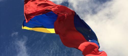 A bandeira venezuelana. (Foto: Jean Manzano/Pixabay)