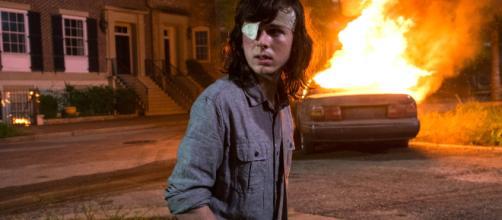 Carlg Grimes durante o ataque do Negan, em Alexandria | EW.com - ew.com