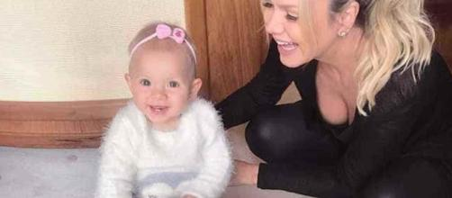 Eliana e sua filha Manuela, sucesso na Web (Blastingnews)