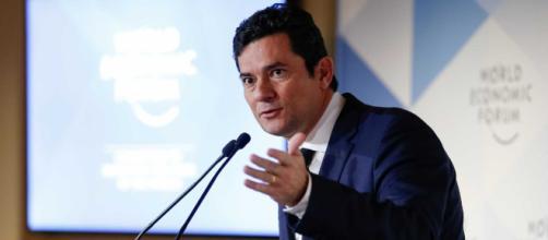 Ministro Sergio Moro foi indagado a respeito do caso envolvendo o senador eleito, Flávio Bolsonaro (Foto: Alan Santos/PR)