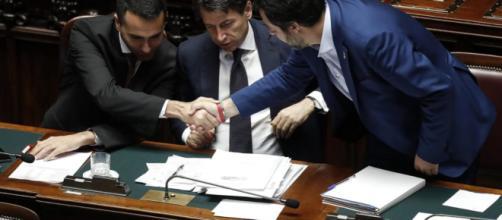 Sondaggi Emg: consensi in calo per il Governo gialloverde.