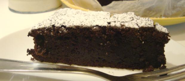Ricetta Torta al cioccolato e mandorle senza farina.