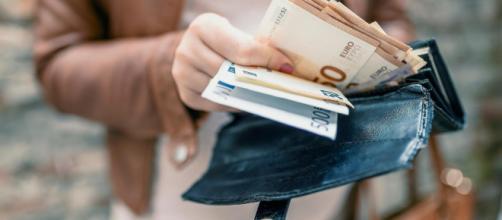 Addio alle banconote da 500 euro, in arrivo nuove banconote da 100 e 200 euro.