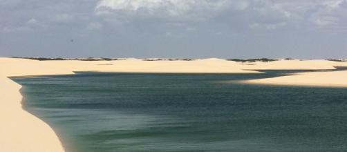 Alta temporada dos lençóis maranhenses é em julho, quando as lagoas estão cheias (Foto: Pixabay)