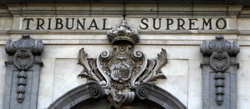 Fachada principal de la entrada al Tribunal Supremo