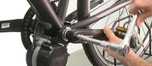 Tortona Viaggiava Su Bicicletta Elettrica Truccata Fermato E