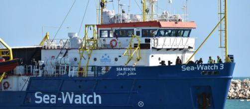 Sea Watch, Salvini all'Olanda: 'Prenda i migranti', i pm chiedono sbarco dei minori