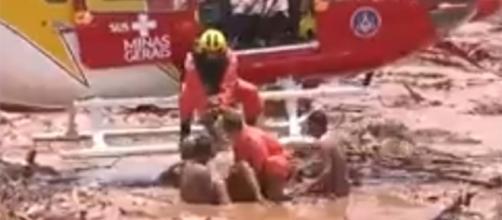 Vítimas pareciam desesperadas pelo resgate (foto: reprodução / TV Record)