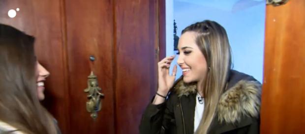 Jenni y Claudia tienen su primera cita en la casa de los tronistas (Cuatro.com)