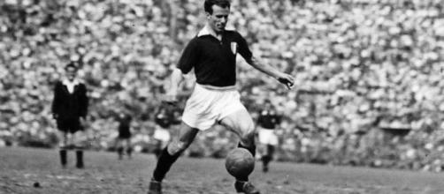Il Torino omaggia il grande Valentino Mazzola nel centenario dalla sua nascita.