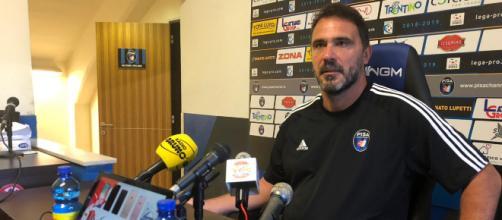 La conferenza stampa di Luca d'Angelo alla vigilia di Pisa-Piacenza