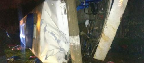 Acidente com ônibus clandestino mata duas pessoas - (Foto: Divulgação/Polícia Civil)