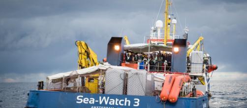 Parlamentari a bordo della Sea Watch