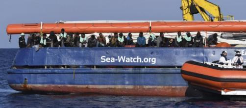 Diego Fusaro contro il Pd sul caso Sea Watch