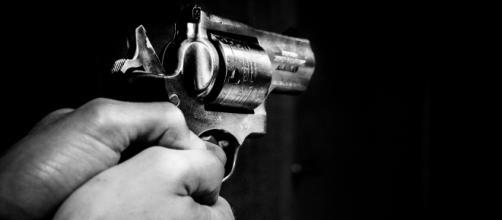 Samuel Rehn, campione di trotto, prima uccide i figli e poi si suicida.