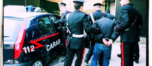 La coppia è stata arrestata dai carabinieri della compagnia di Sassari