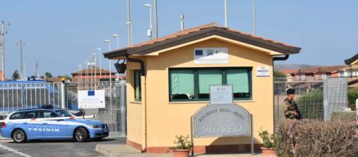 Mafia nigeriana al Cara di Mineo: arrestate 19 persone - corriere.it