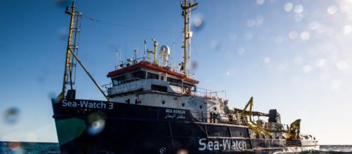 Mare chiuso intorno alla nave per evitare la 'sfilata' dei parlamentari.