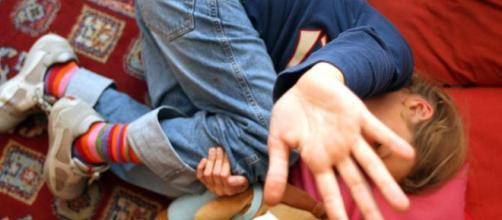 Napoli, bambino di 7 anni trovato morto dopo un acceso litigio.