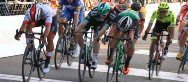 Fernando Gaviria vince la prima tappa della Vuelta San Juan