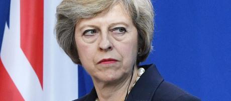 Brexit: leader dell'UE approvano piano della May