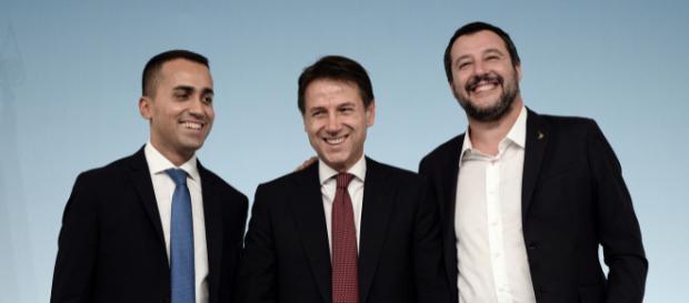Il M5S si schiera con Salvini sul caso Diciotti