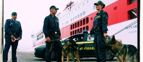 Il giovane è stato fermato al porto di Olbia dalla Finanza.