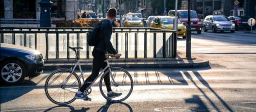 In bici al lavoro, gli incentivi arrivano in Italia