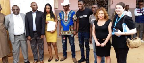 Le Maire de Yaoundé 6 Yoki Onana et le footballeur Fabrice Ondoa (c) Virginie Nga