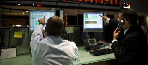 Positiva, Bolsa fecha em alta histórica e dólar tem queda em 1º pregão do governo Bolsonaro - via Galeria BN