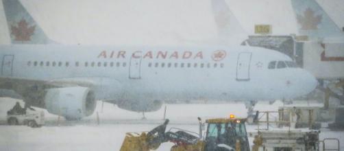 El aeropuerto de Toronto cancela vuelos por la tormenta de nieve