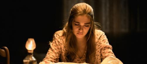 Il Segreto, anticipazioni puntate spagnole: Julieta e l'abito da sposa distrutto