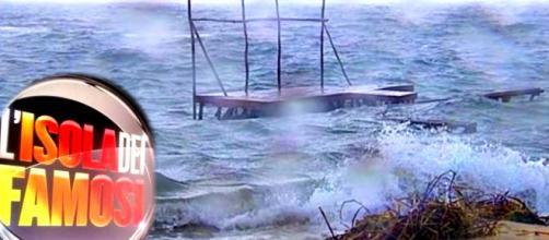 Isola dei Famosi, tempesta in Honduras: danni e agitazioni tra i naufraghi